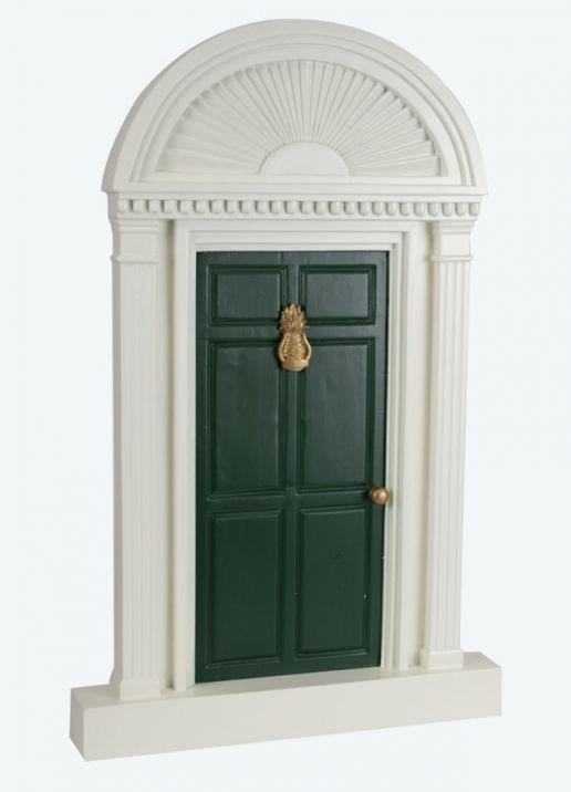 GREEN DOOR W/ PINEAPPLE