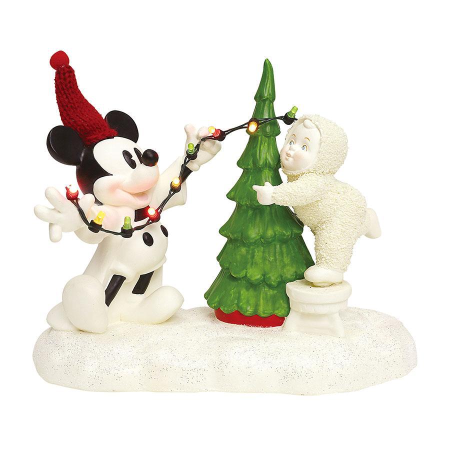 Lighting The Tree With Minnie