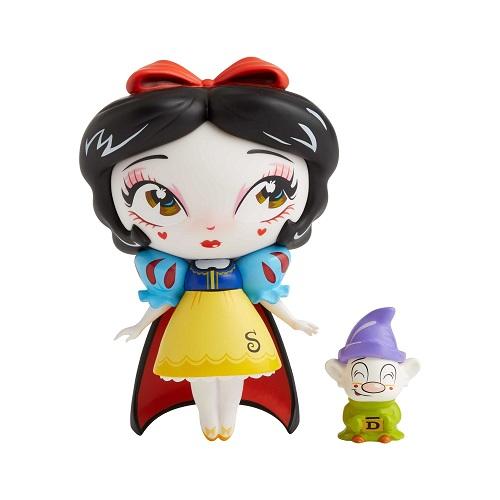 Snow White with Dopey Vinyl